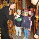 Biserica Soborul Maicii Domnului - Impartasirea copiilor